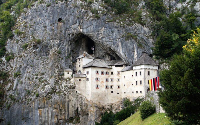 Největší jeskyní hrad